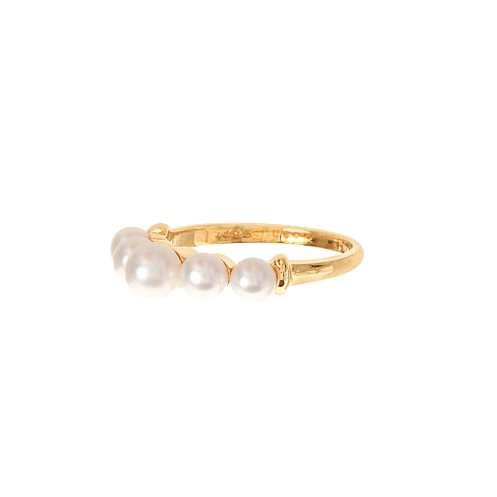 Graduated Pearl Ring