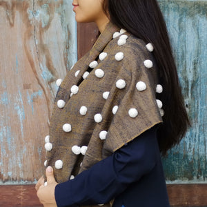 "Silk shawl ""Pompom"" (Gold)"
