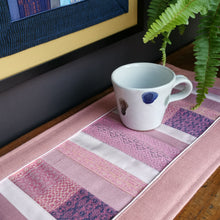 Load image into Gallery viewer, Table runner (Pink)(50 cm)