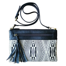 "Load image into Gallery viewer, Shoulder-strap bag with tassel ""Giarai diamond"""