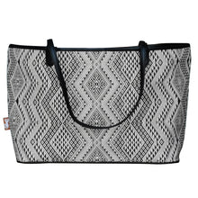 "Load image into Gallery viewer, Shoulder bag ""Naga"""