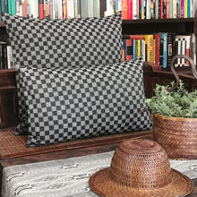 "Load image into Gallery viewer, Cushion cover ""Cotton check"" (Black)(L)"