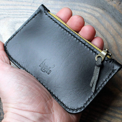 Black Lamport zipper pouch with card slot. - Buck&Hide