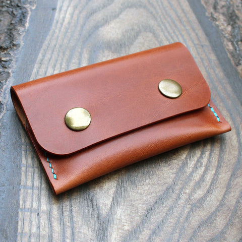 Double snap pouch in tan Maremma