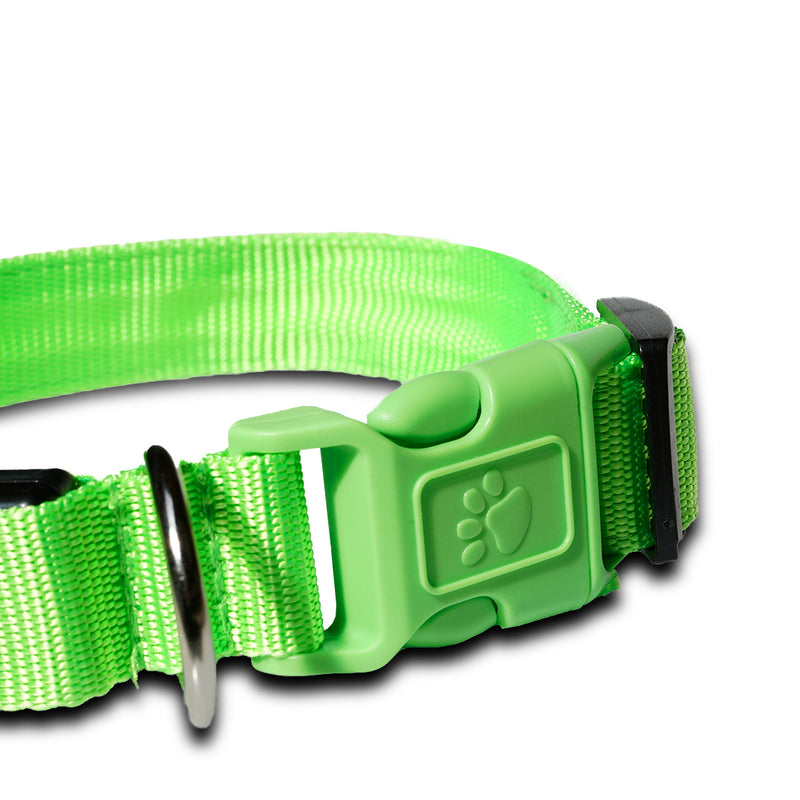 The LED dog collar is the answer to a significant problem faced by many night-loving dog owners: visibility of their four-legged friends after sundown. Whether you're playing a game of fetch or taking your nightly walk, you shouldn't need to worry about losing Fido in the backyard or drivers failing to see your dog at night. This is where lighted dog collars come in.