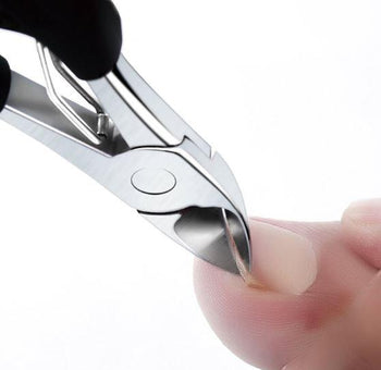 Nail clippers for ingrown nails