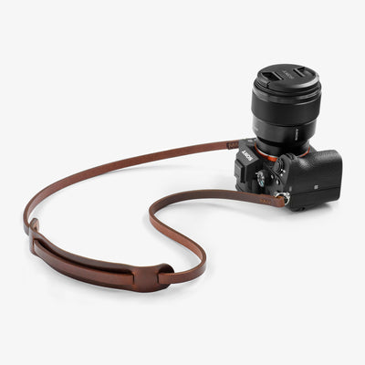 minimalist with pad leather camera strap. Leather camera strap. Fab' handcrafted. Fab strap.