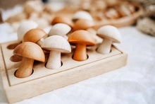 Load image into Gallery viewer, QToys Mushroom Set of 10 (Natural)