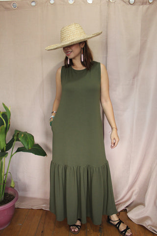 SLEEVELESS POCKET DRESS