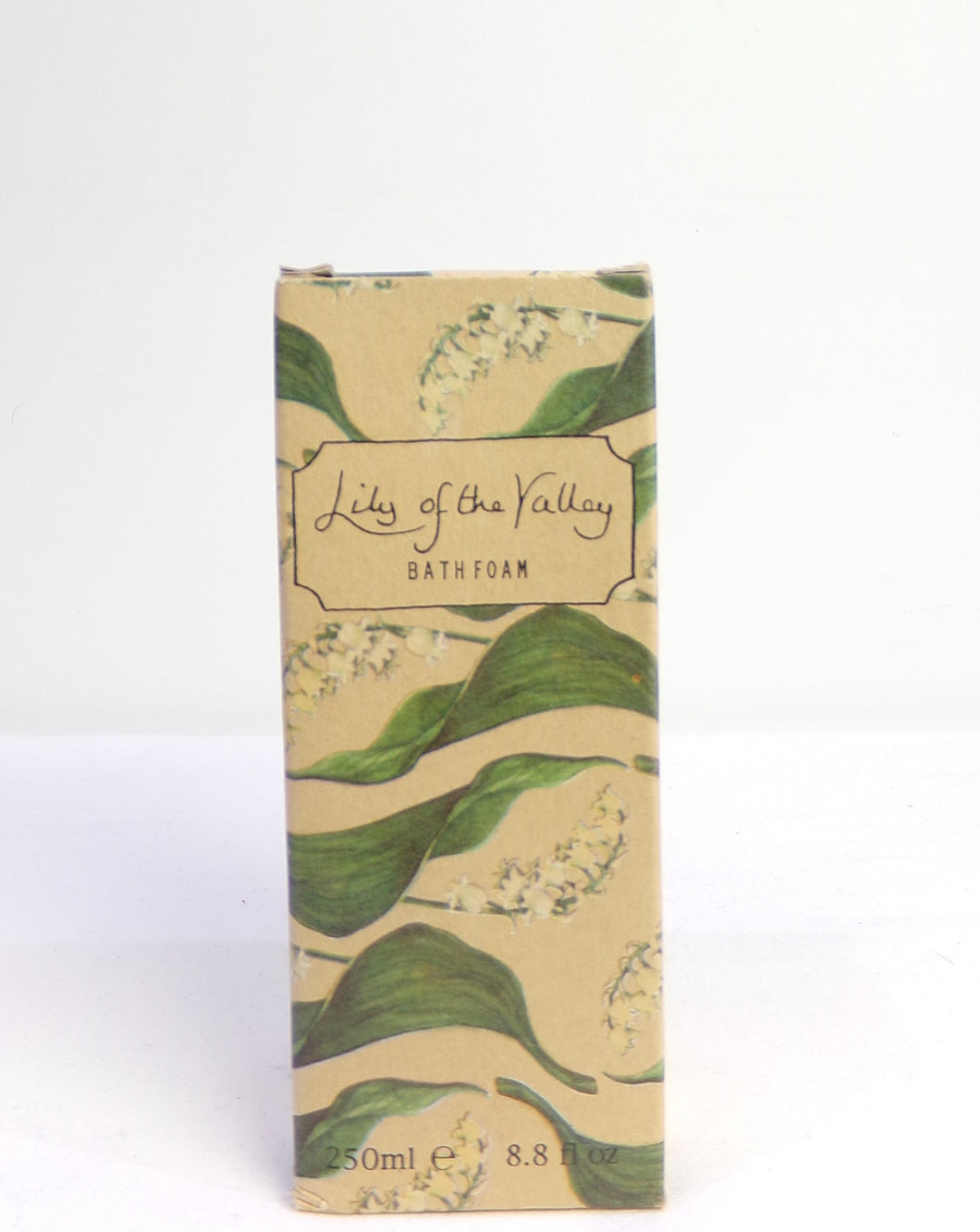 Soothe your mind with this relaxing Lilly of the Valley bath soak.  This is a time honoured favourite with it floral scent will make a lovely gift.