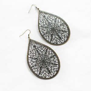 Utopia Filigree Earring In New Colors!
