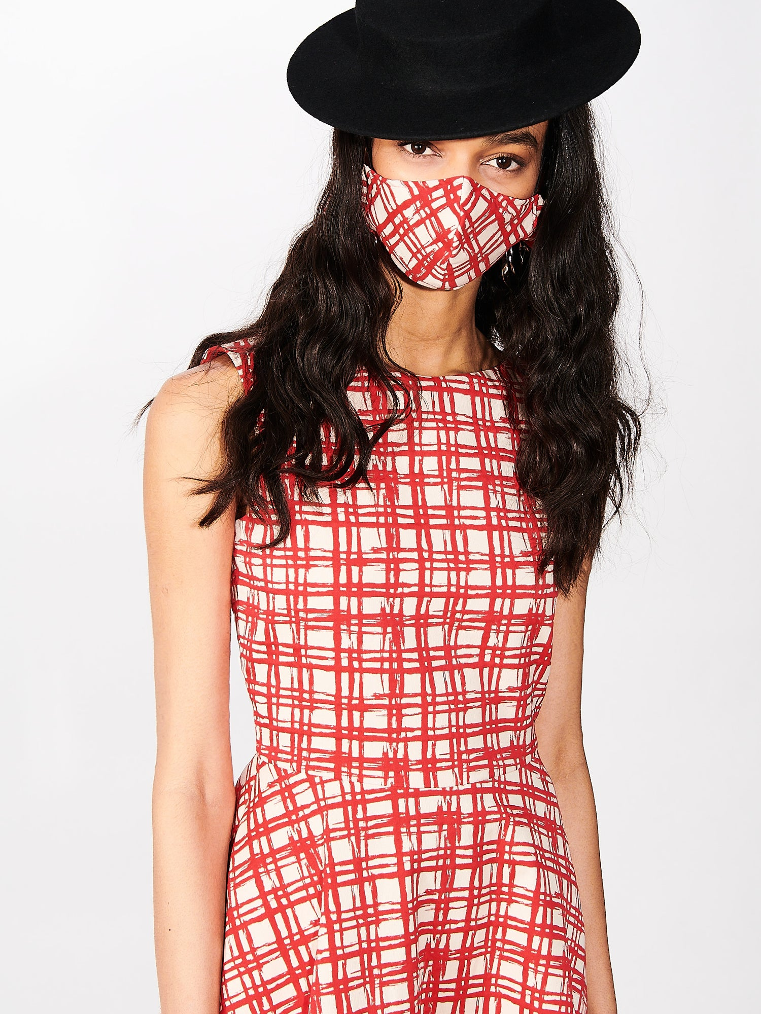 Scoop Neck Gingham Swing Dress in Picnic Red