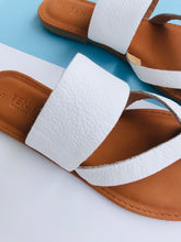 Load image into Gallery viewer, Crossover Toe Strap Sandal