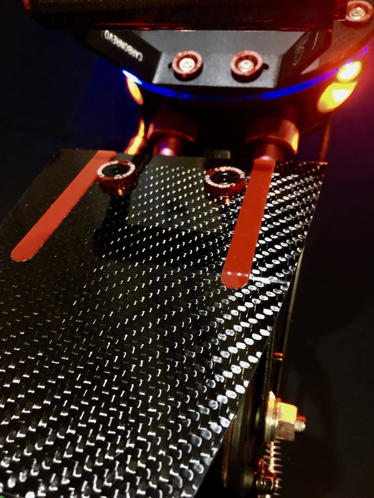 CARBONREVO CARBON FIBRE REAR FENDER close up view
