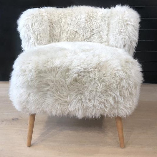 Hector, the woolly armchair - Toi Toi