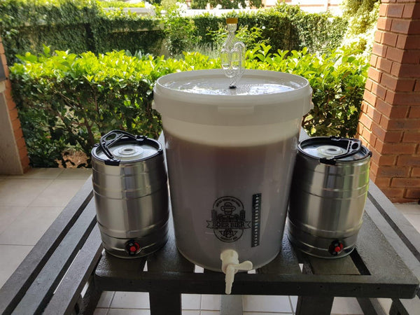 Boer Bier Brewing Kit with Kegs  (Includes 10L Fresh Wort) Lager