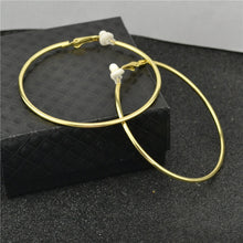 Load image into Gallery viewer, Clip on earrrings women Non pierced With cushion pad Fashion Jewelry Accessories Small Big Circle Classic trend Ladies Earrings