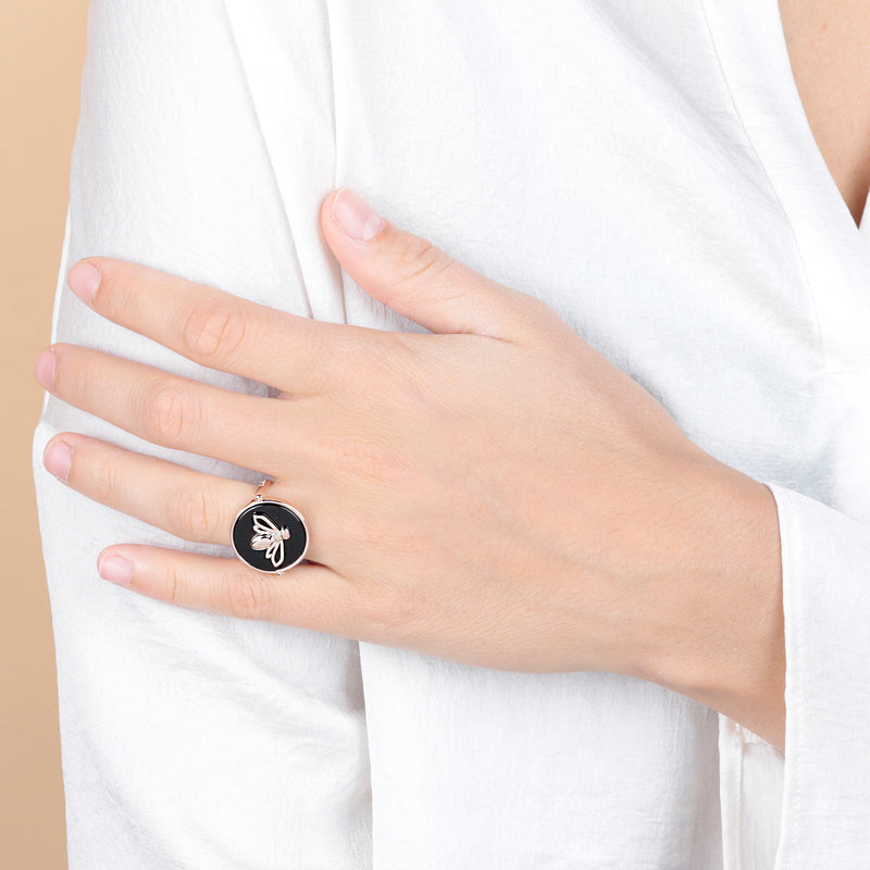 Ring-with-Bee-and-Black-Onyx_anelli_nero_5
