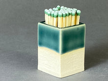 Load image into Gallery viewer, Transparent Green Matchstick Holder