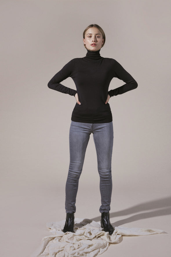 Ichi Knitted Rollneck in Black
