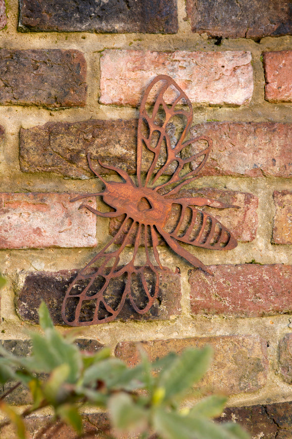 London Ornaments Metal Bee Wall Plaque Decoration