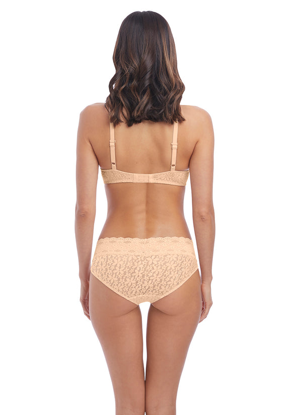 Wacoal Halo Lace Nude Moulded Underwire Bra