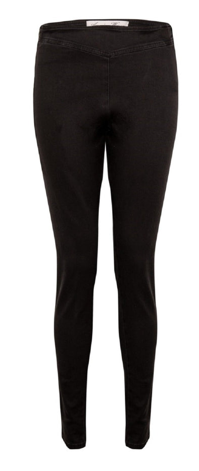 Amazing Woman Slim Leg Side Zip Jeans in Black