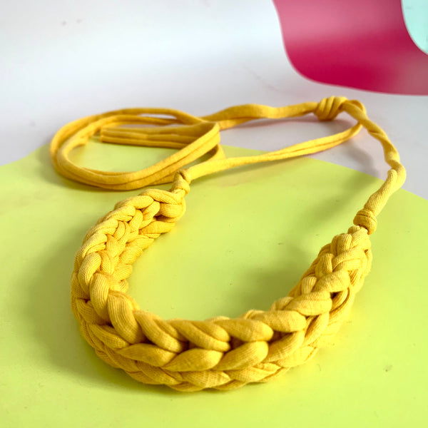 CURVE necklace: Mustard - Stellen UK