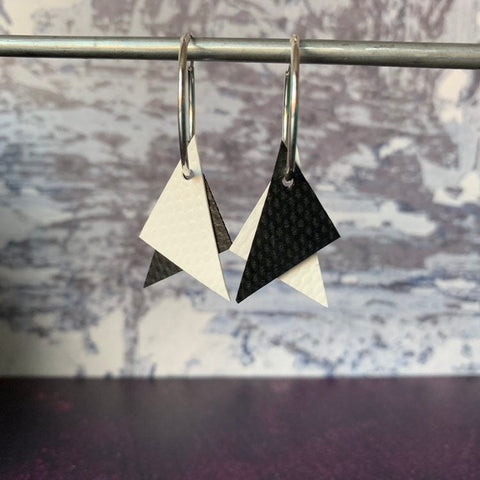 TRIANGLE Earrings : I was a bouncy castle : WHITE + X ? - Stellen UK