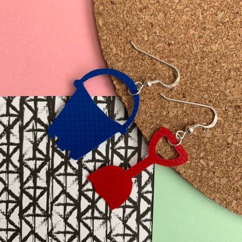 BUCKET AND SPADE Earrings : I was a bouncy castle : Red + Blue - Stellen UK