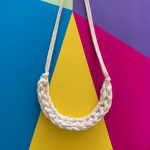 CURVE necklace: NEON speckles - Stellen UK