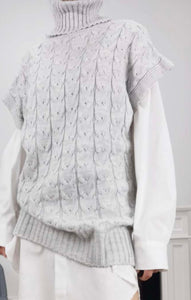 GREY CABLE KNIT - ByHally.dk