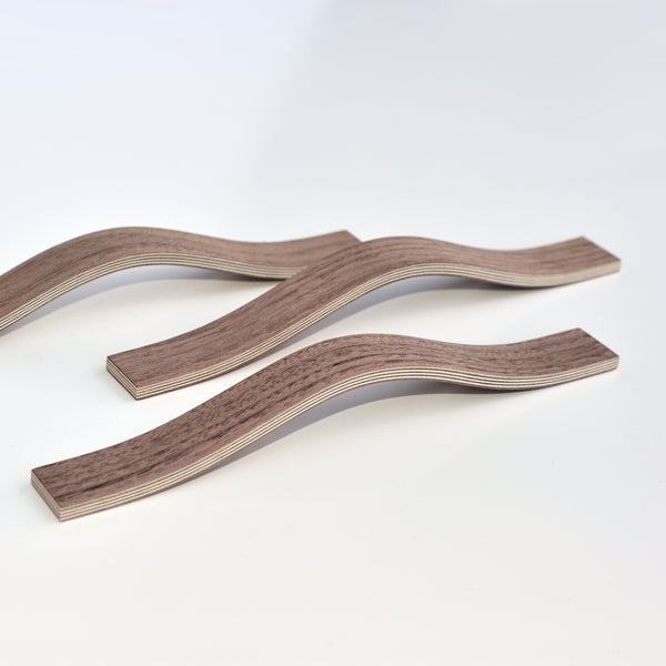 Natural Walnut finished handles. 2 sizes: 195 and 230mm
