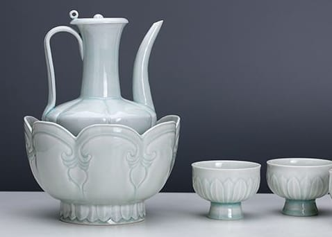 Know about ceramic history.
