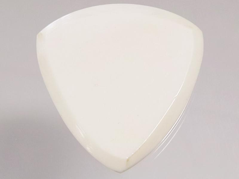 Animals Pedal Wild Picks (CB-TC-N-WH) Camel Bone Tri Pick Chamfer White 3mm