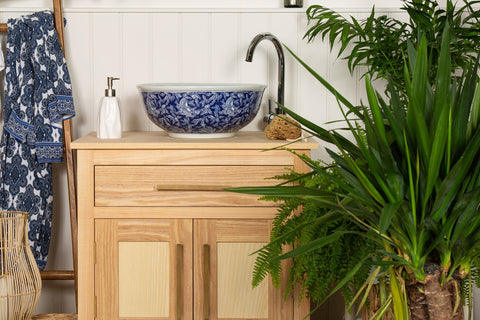 chinoiserie style wash basin in blue and white porcelain