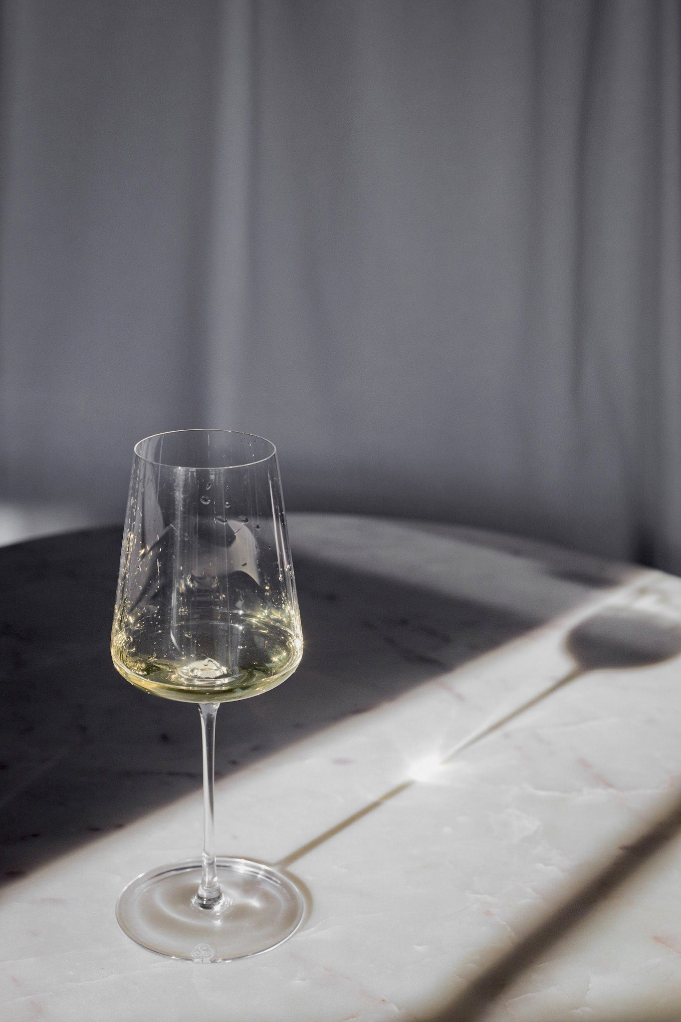 The White' Wine Glass with white wine