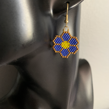 Load image into Gallery viewer, Royal Blue Beaded Flower Earrings