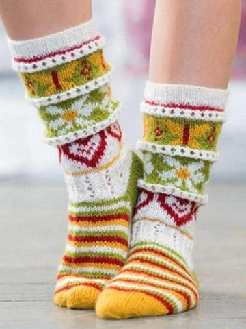 Heart Shaped Flower Pattern Knit Stockings
