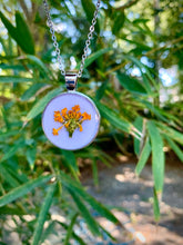 Load image into Gallery viewer, Lavender circular pressed flower pendant