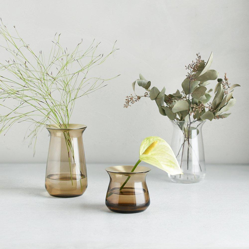 An afternoon with Flower designer Namiko Kajitani - KINTO LUNA VASE