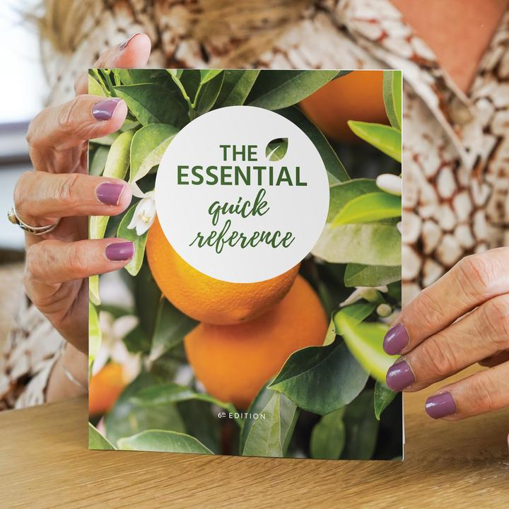 The Essential Quick Reference  (6th Edition) - Essential Oil Magic