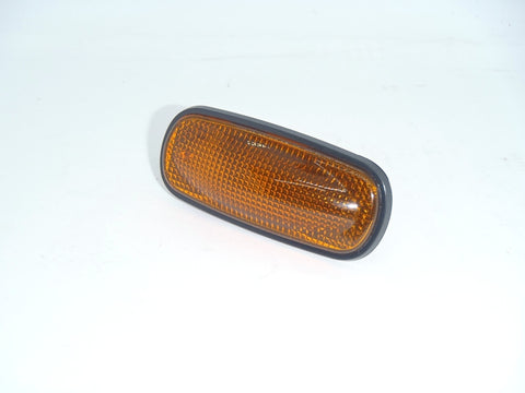 NOS Land Rover Side repeater Lamp Discovery 2 & Freelander XGB000030