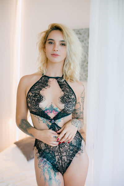 Jordana is dreamlike made from beautiful black lace. This delicate eyelash lace with beautiful floral pattern has a sexy cut at the waist charmingly revealing the hips. The back body is stunning with fancy finish that adds a unique charm.