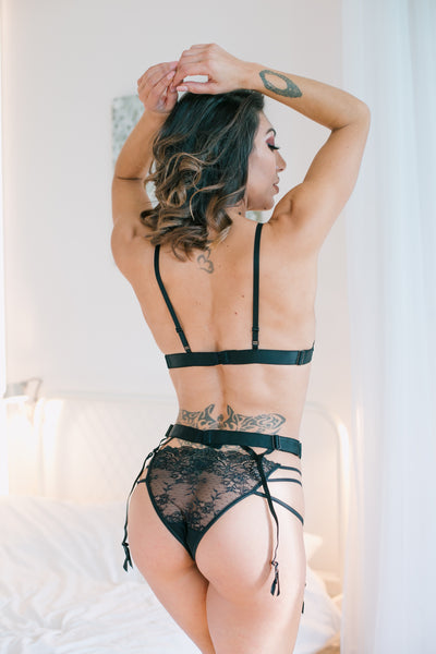 Roza Cyria Black Suspender Belt