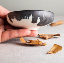 Load image into Gallery viewer, Black and White Vessel 1