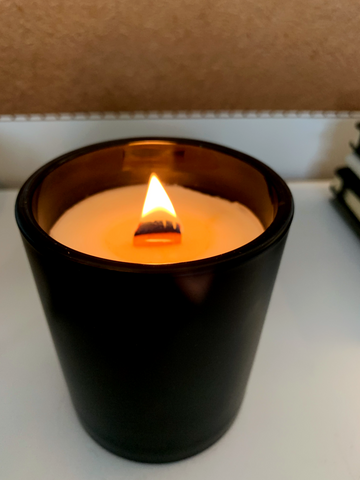 woodwick candle with crackling wick