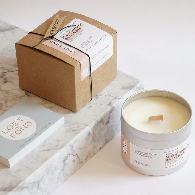 Chamomile & Geranium Scented Soy Wax Candle with Wood Wick in Gift Tin - www.wicksandreeds.com