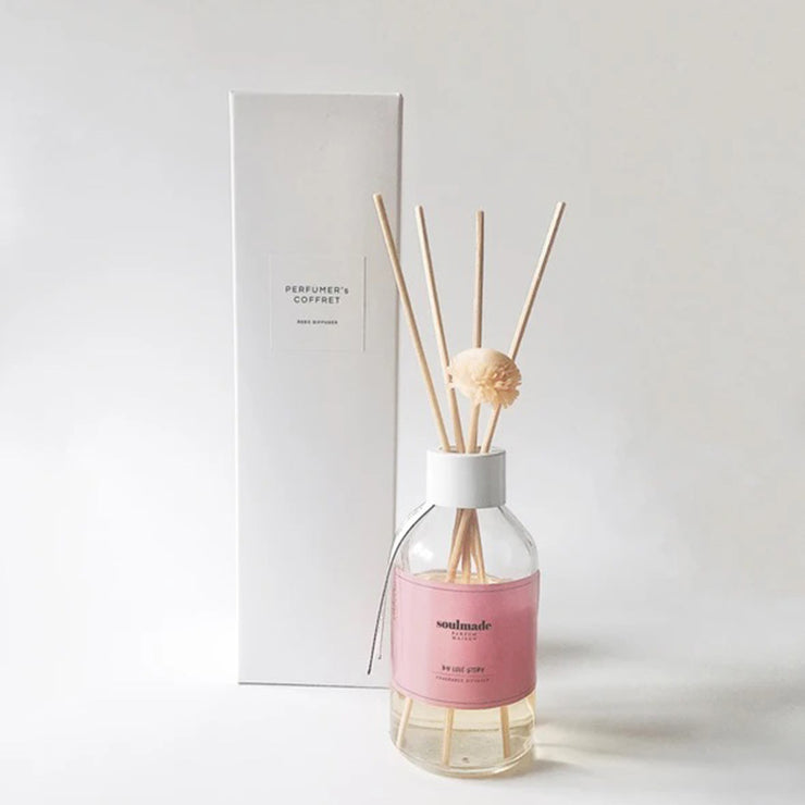 Lilly Sandalwood & Jasmine Reed Diffuser with Dried Flower Reed