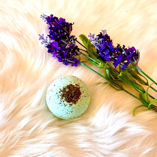 Rosemary & Peppermint Aromatherapy Bath Bomb - Large 130g